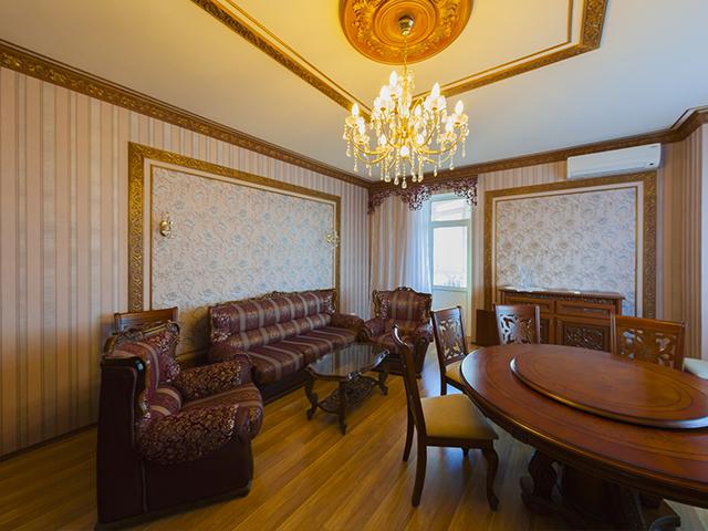 Трехкомнатная квартира в аренду M-30573