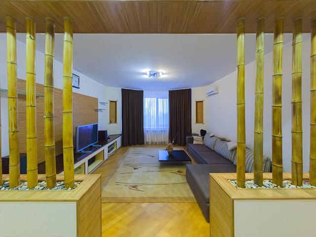Четырехкомнатная квартира в аренду P-20050