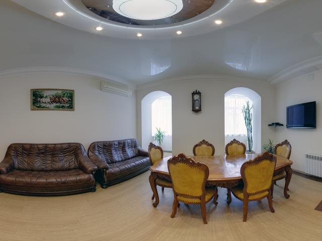 Трехкомнатная квартира в аренду P-21005