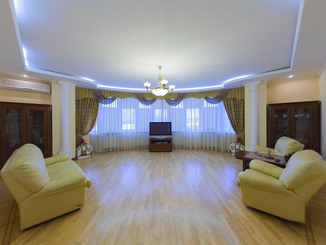 Четырехкомнатная квартира в аренду X-32368